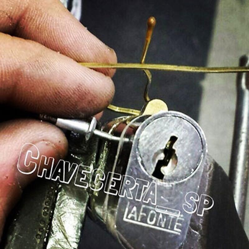 Chaveiro 24 Horas Portão Vila Anglo Brasileira - Chaveiro 24 Hrs